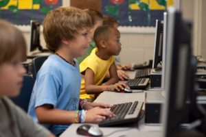 2 Langkah Jitu Pengawasan Orang Tua Terhadap Aktivitas Anak Menggunakan Internet