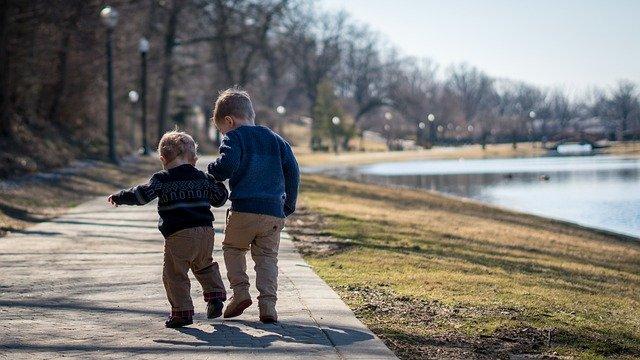 Tips Cara Agar Anak Cepat Jalan Dan Bicara